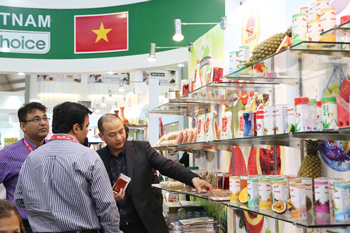 trade-exhibiton-moocos-vietnam4-2015